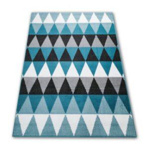 model turkusowego dywanu